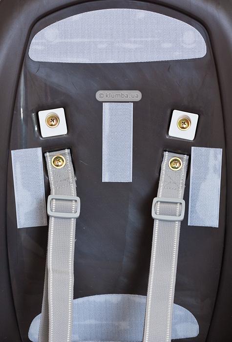 Фиксация ремней безопасности стульчика для кормления Inglesina Zuma